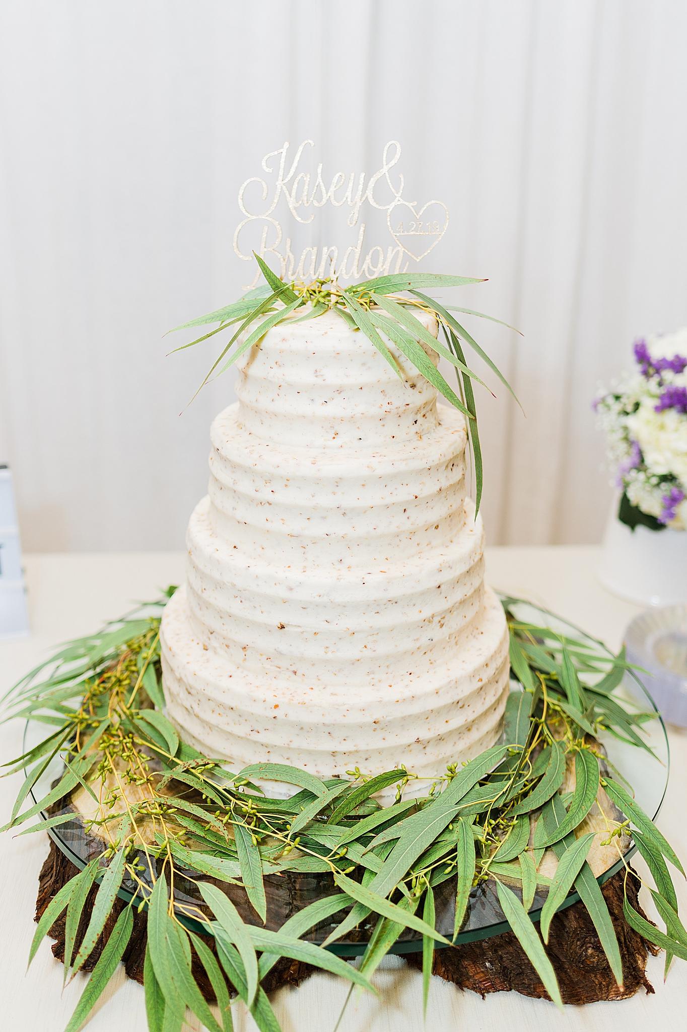 tiered wedding cake for AL wedding reception