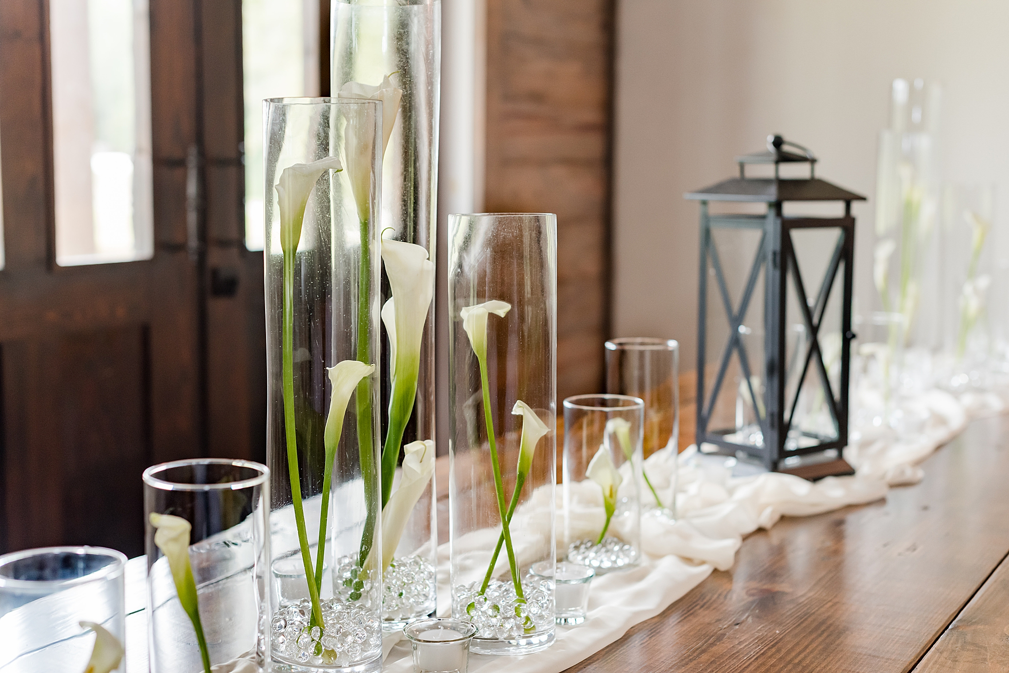 floating candles for wedding reception at Izenstone