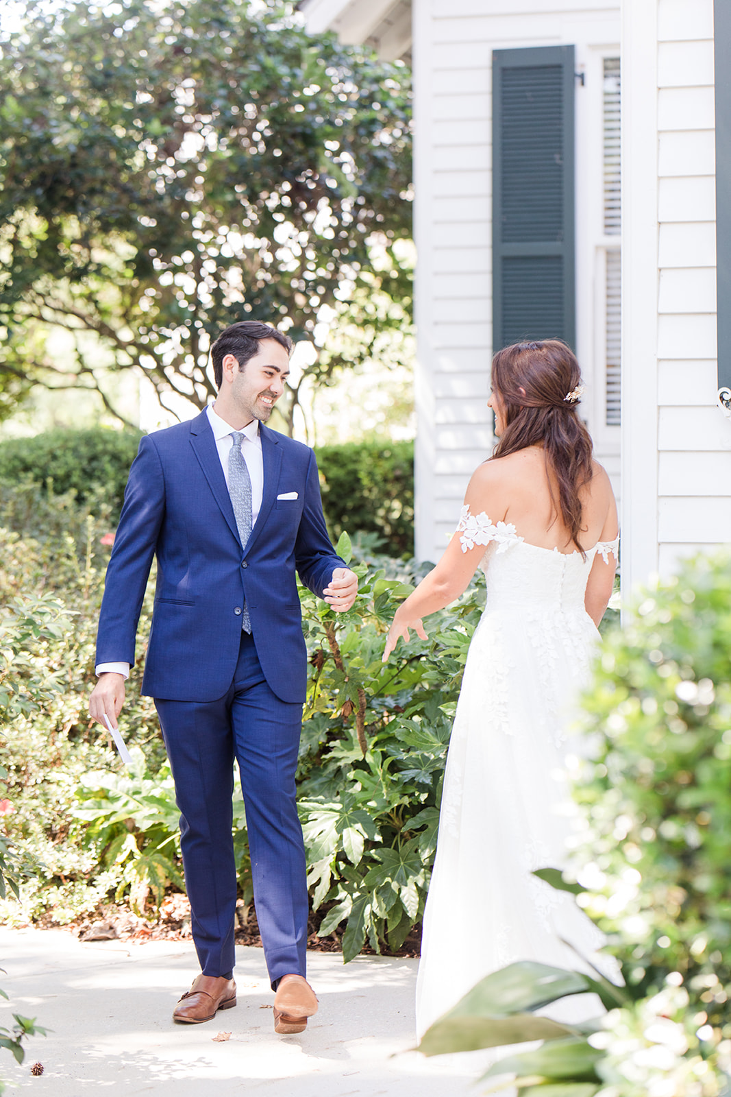 Fairhope AL destination wedding first look at St. Francis at the Point