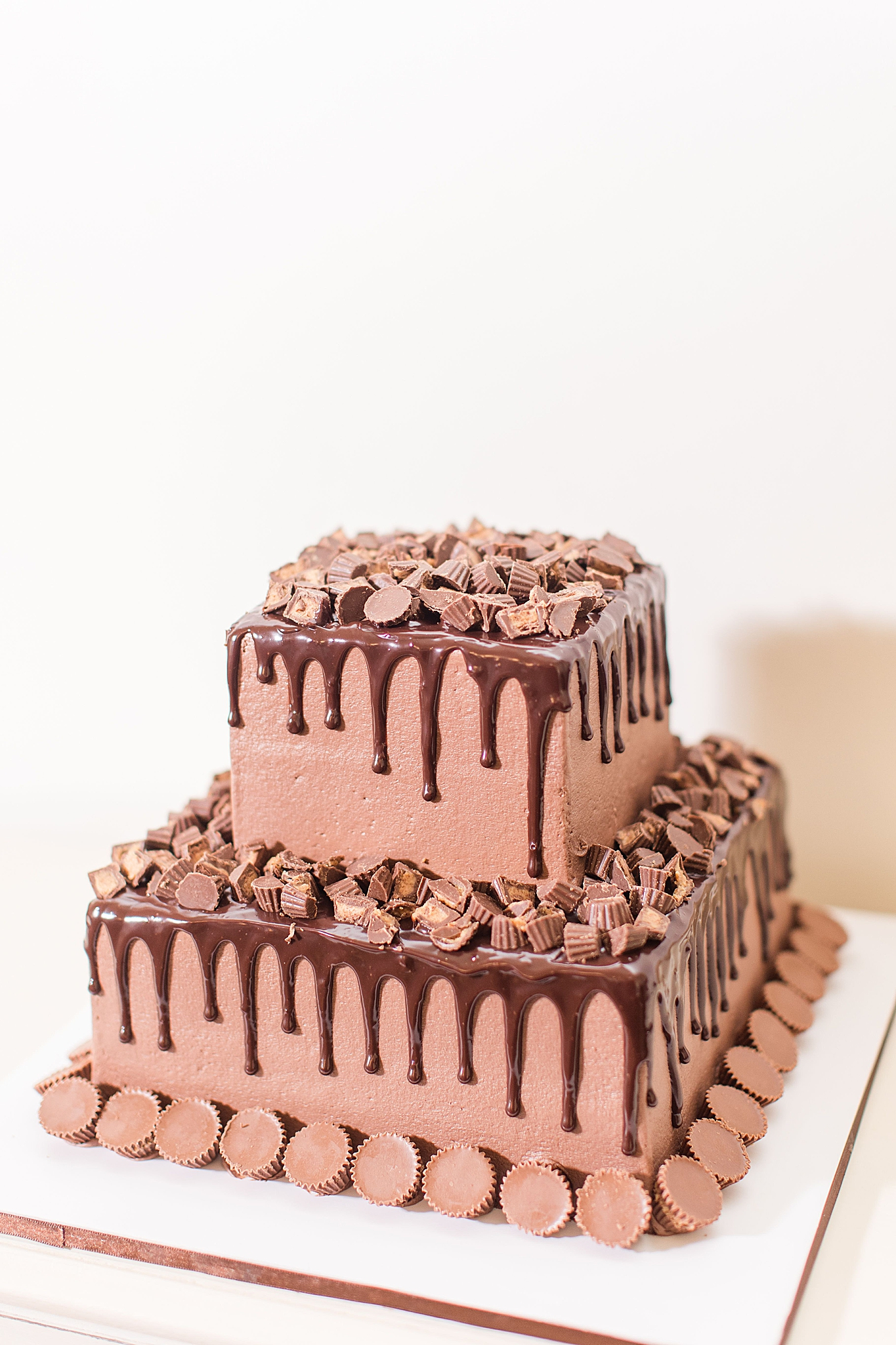 chocolate groom's cake with Reese's cups