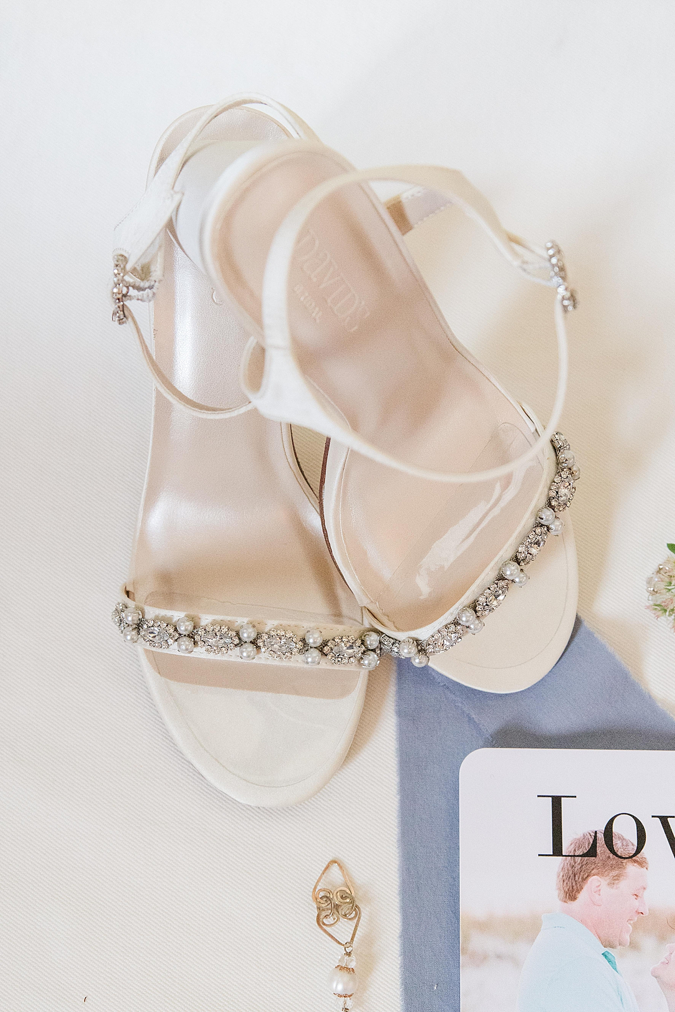 bride's ivory shoes for FL wedding