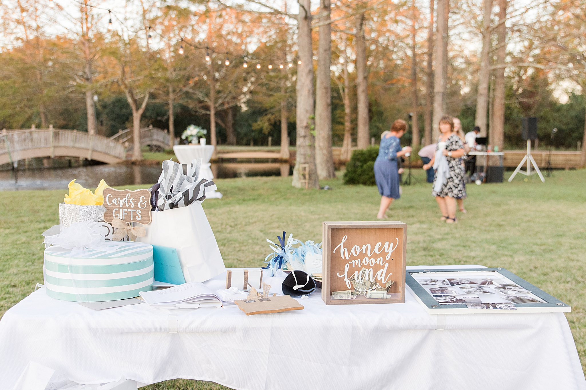 gift table for Burkhardt Pond wedding reception