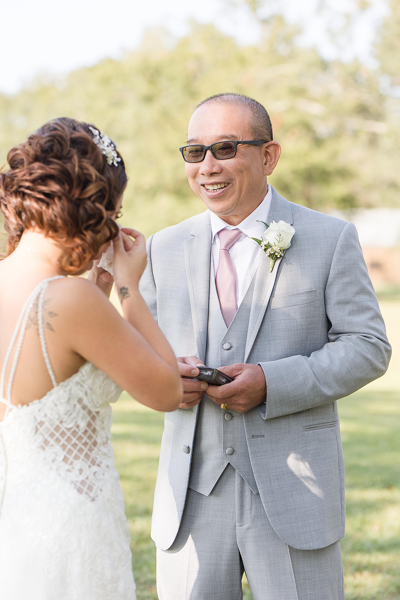 dad reacts to daughter during first look