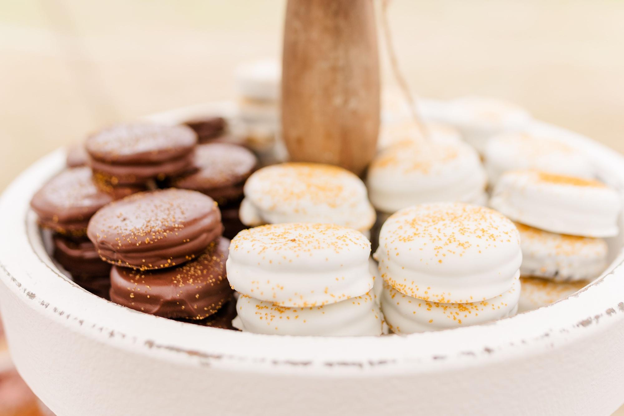 wedding desserts for New Year's Eve wedding reception