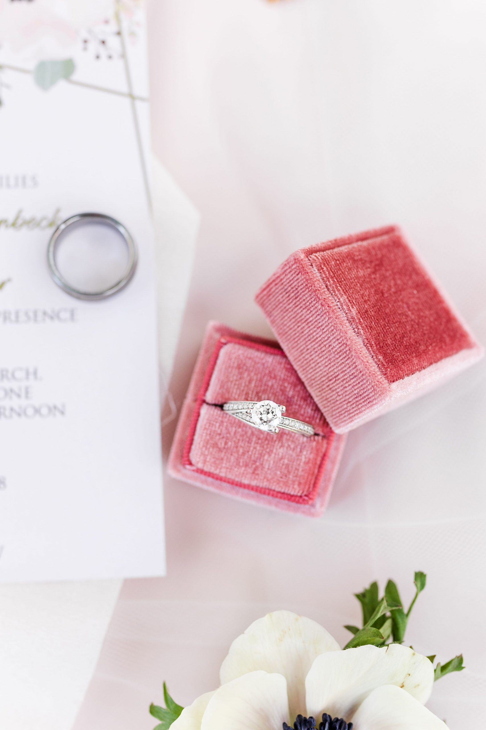 wedding rings for Alabama wedding day